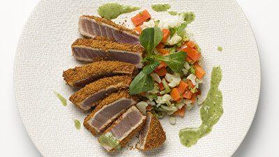 Steak de filet de thon et carottes paysannes
