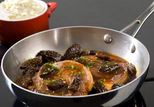 Recette : Tournedos de canard sauce aux morilles et son écrasé de topinambour - EpiSaveurs