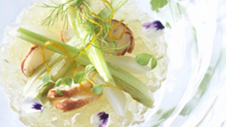 Recette : Gelée tremblotante fenouil'orange, herbes potagères, chips de homard au naturel - TerreAzur