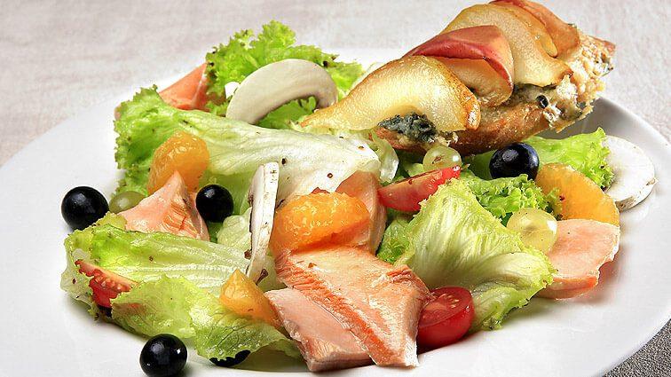 Recette : Pétales de saumon en salade d'automne - TerreAzur