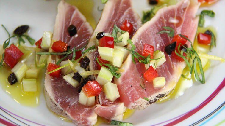Recette : Rôti de thon rouge et légumes « Marseillaise » - TerreAzur