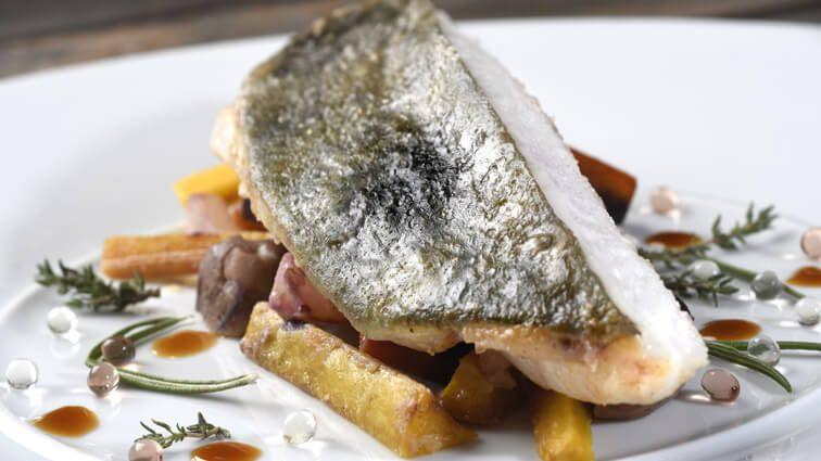 Recette : Filet de Saint-Pierre rôti aux légumes d'autrefois glacés au miel jus au thym citron - TerreAzur