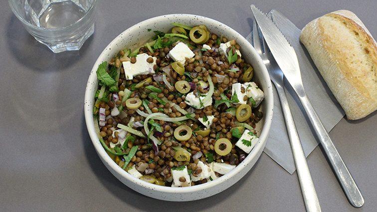 Recette : Salade de lentilles à la grecque - TerreAzur