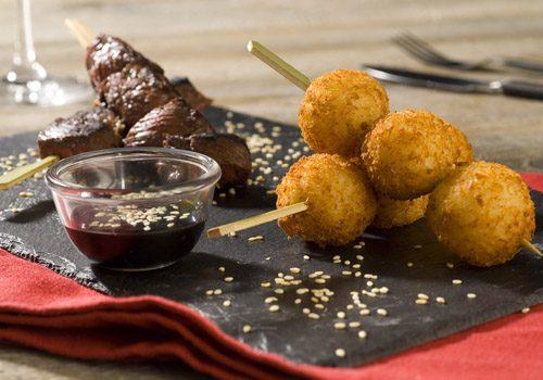 Recette : Brochettes de bœuf marinées et ses croquettes de riz - EpiSaveurs