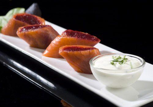 Recette : Makis truite fumée - betterave accompagné de sa sauce au fromage blanc - EpiSaveurs
