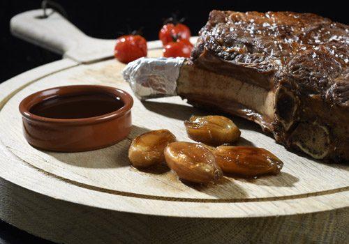 Recette : Côte de bœuf aux échalotes confites au vin rouge - EpiSaveurs
