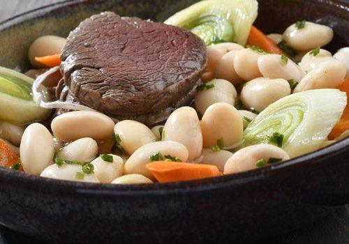 Recette : Pièce de bœuf à la ficelle aux haricots lingots, comme un pot-au-feu - EpiSaveurs