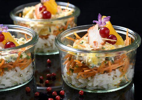 Recette : Salade de chair de crabe à la mangue et poudre de combawa - EpiSaveurs