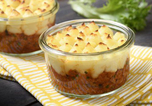 Recette : Parmentier de maquereaux à la tomate, échalotes confites et ciboulette - EpiSaveurs