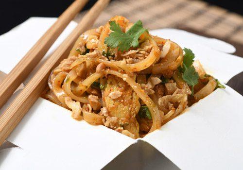 Recette : Pad thaï au poulet mariné - EpiSaveurs