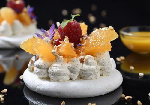 Recette : Pavlova aux mandarines, coulis de fruits de la passion - EpiSaveurs