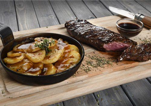 Recette : Onglet de veau, sauce vin rouge et pomme boulangère - EpiSaveurs