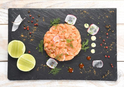 Recette : Ceviche de saumon à la menthe, lait de coco aux épices - EpiSaveurs