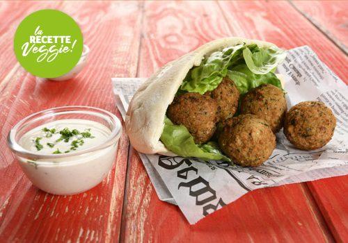 Recette : Pita et falafel de légumes, sauce caesar aux herbes - EpiSaveurs