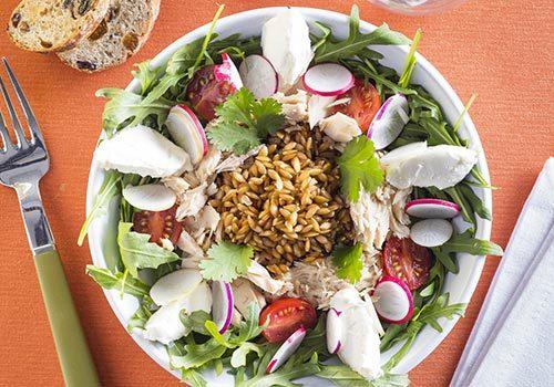 Recette : Salade d'épeautre au thon et chèvre frais (façon bowl) - EpiSaveurs