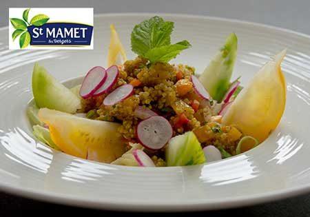 Recette : Salade croquante, pêche quinoa, menthe fraîche - EpiSaveurs